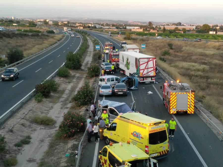 Resultado de imagen de Al menos seis muertos en un accidente múltiple en Sangonera la Seca