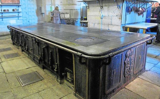 Hasta la cocina en el palacio real la verdad for La cocina del desierto madrid
