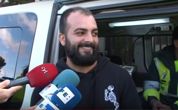 Le entrevistan mientras pasa un control de la Guardia Civil y acaba arrepintiéndose de lo que dijo