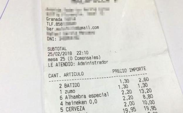 La desagradable broma a una familia en el ticket de un bar
