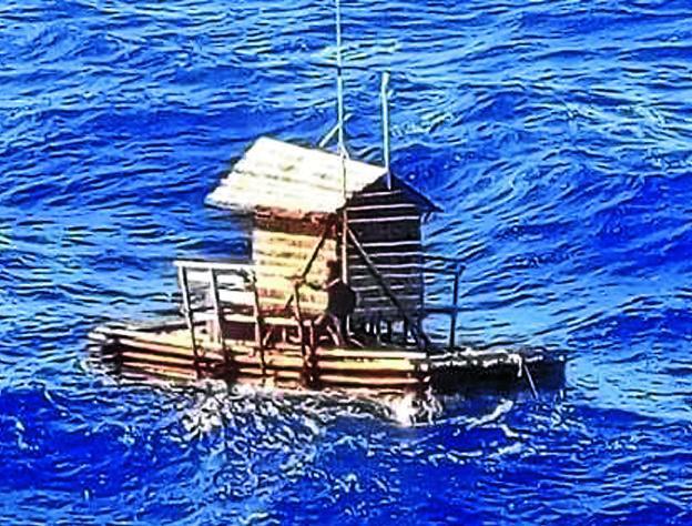 Resultado de imagen para imagenes balsa en oceano atlantico