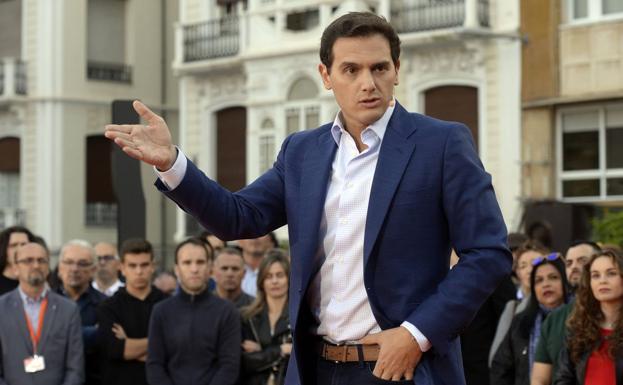 """[UPyD-C's] Manifestación Palma de Mallorca """"si Cataluña tiene concierto económico Baleares también"""" Albert_rivera_mitin_GCARRION-U30167901050pTF-U701192095452NQE-624x385@La%20Verdad-LaVerdad"""