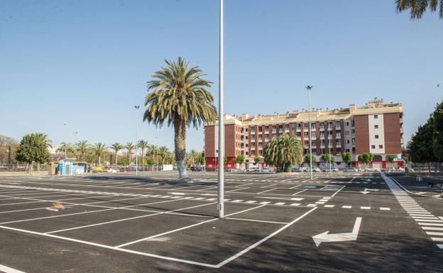 Deterrent parking in Juan de Borbón.